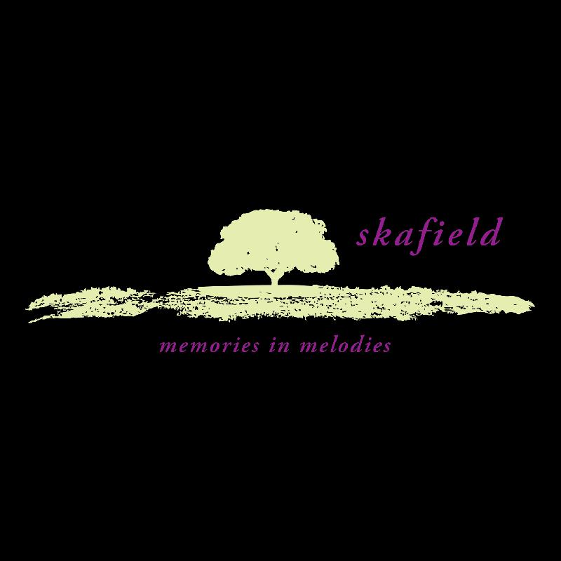 Skafield Memories in Melodies Girlie-Shirt black